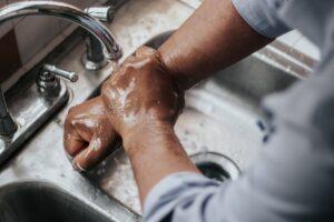 Îngrijirea corectă a mâinilor  și sfaturi pentru hidratare