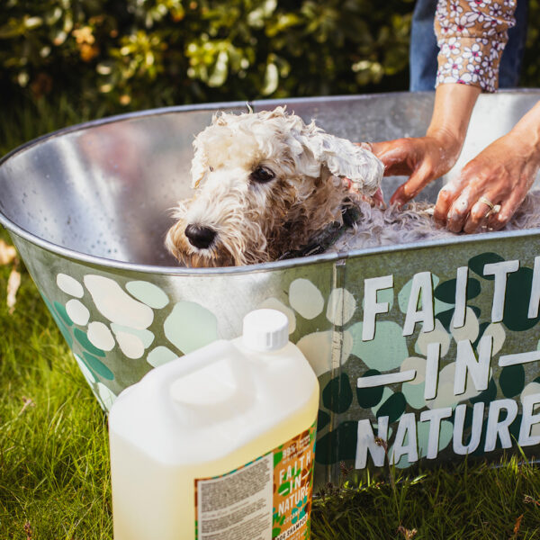 Sampon vegan pentru caini cu par cret sau incalcit, Faith in Nature, 400 ml